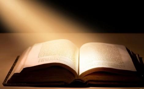Holy-Bible-03-e1406266933593-1024x632