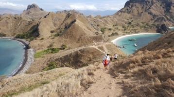 Pendakian di Pulau Padar