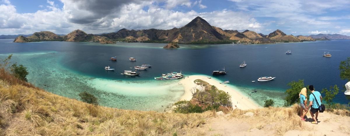 Trekking Menantang di Pulau Kelor, Labuan Bajo (2)