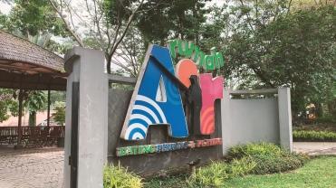 Bogor.00_00_14_45.Still011