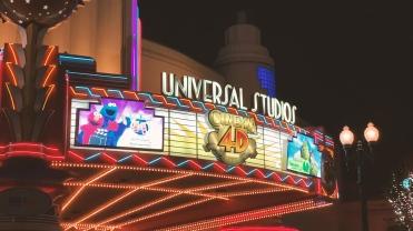 Universal.00_11_10_25.Still017