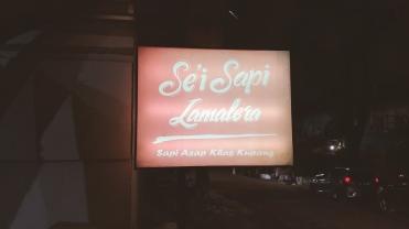 Bandung.00_03_08_12.Still020
