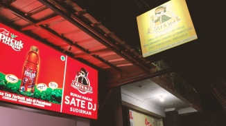 Sate Jando VS Sate DJ.00_00_01_17.Still013